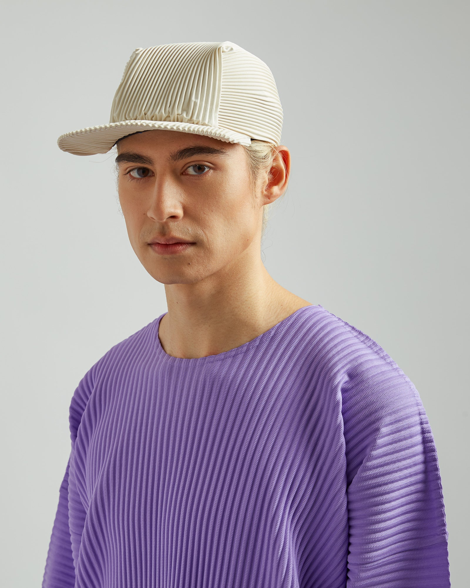 Basics Pleated Cap In Off White