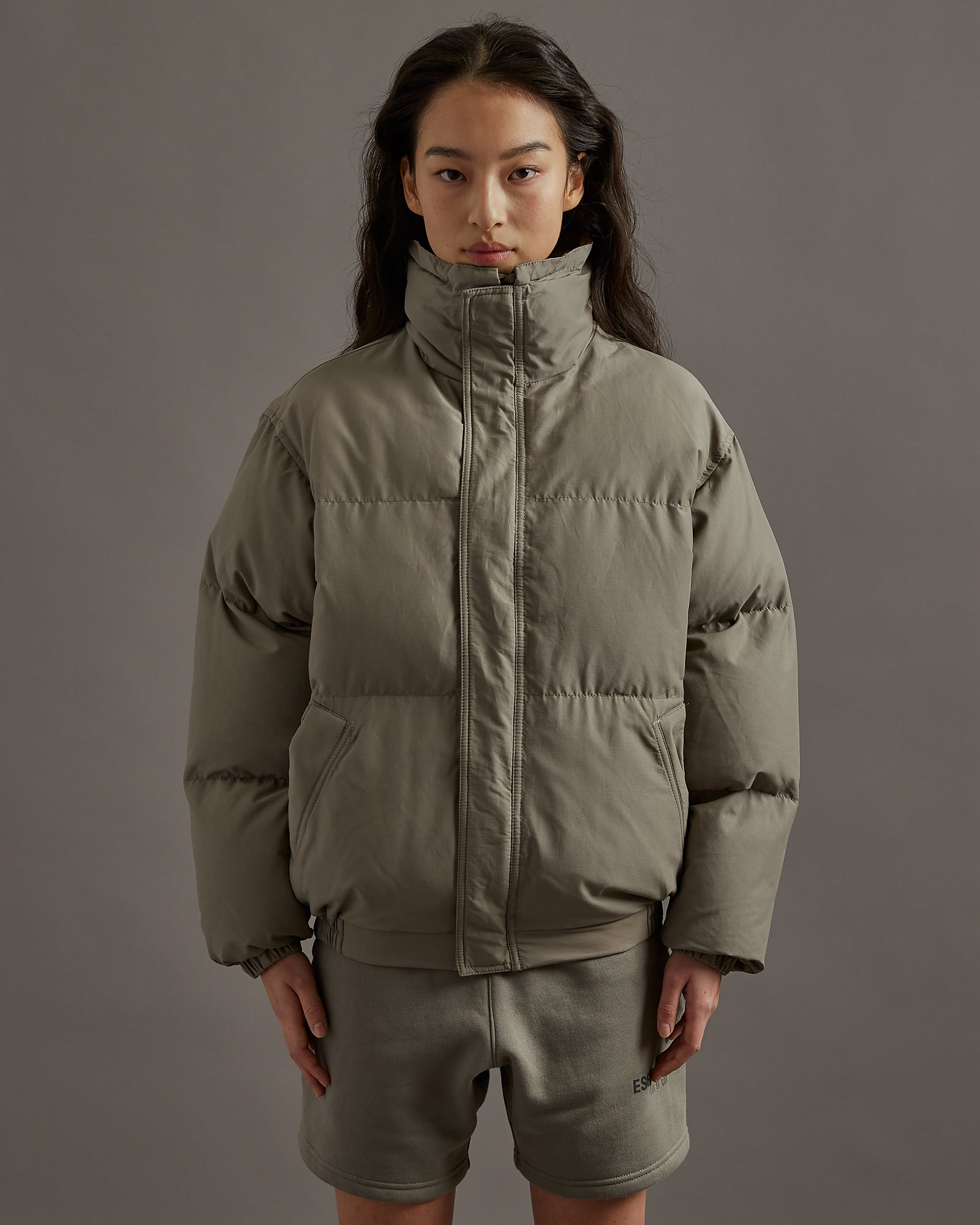 Puffer Jacket in Cement