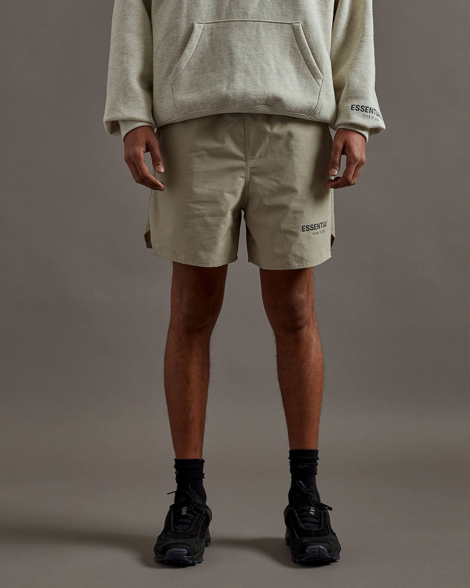 Volley Short in Olive