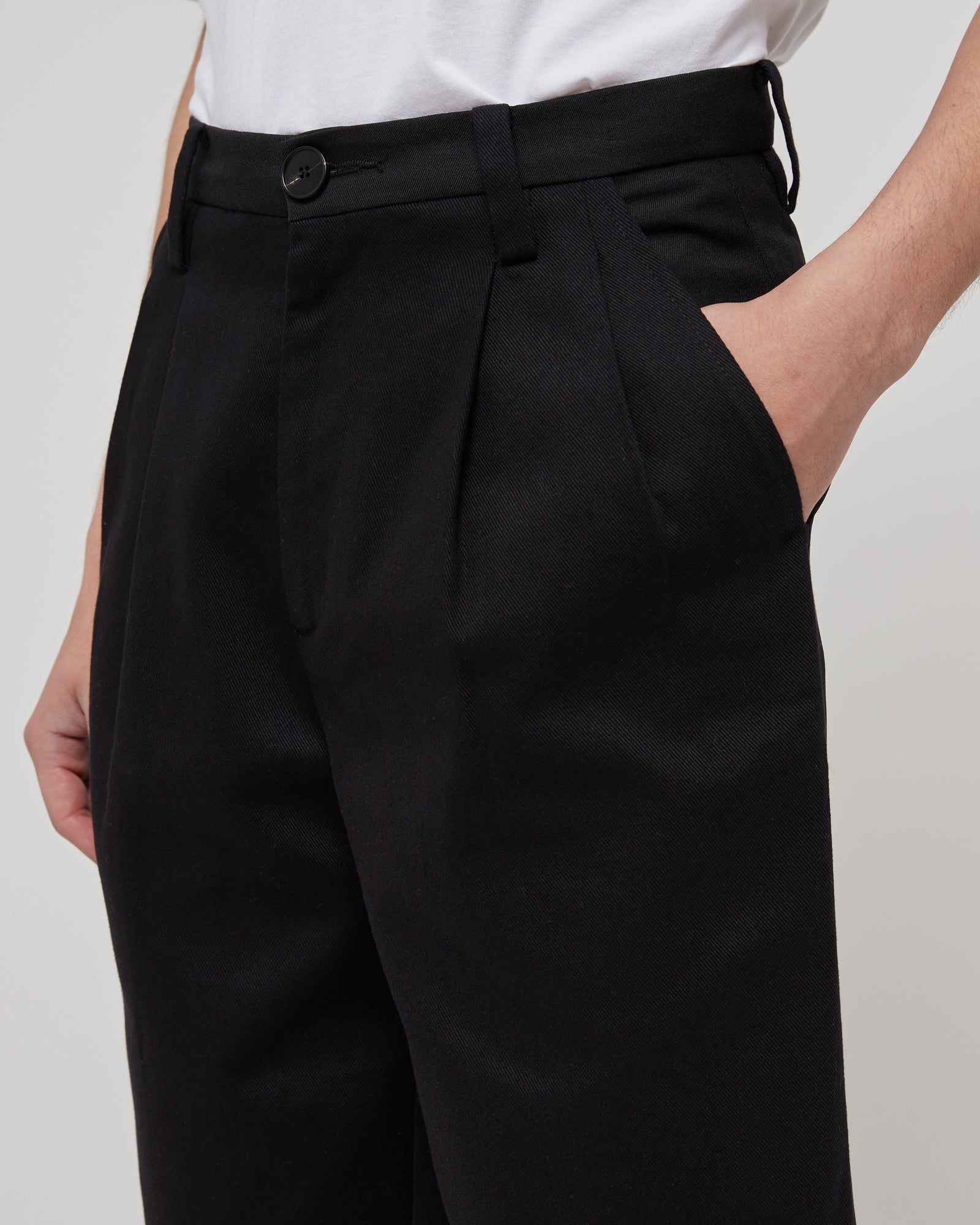 Daily Drive Trouser in Black