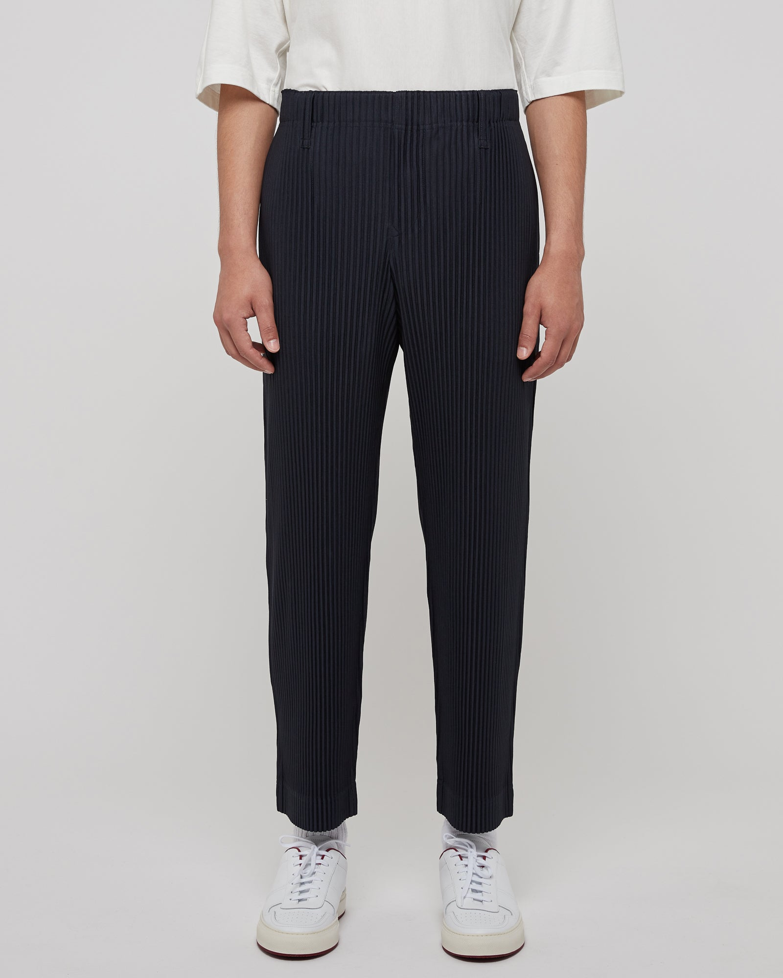 Basic Pleated Trousers in Midnight Navy