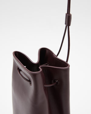 Climb Drawstring Bag in Merlot