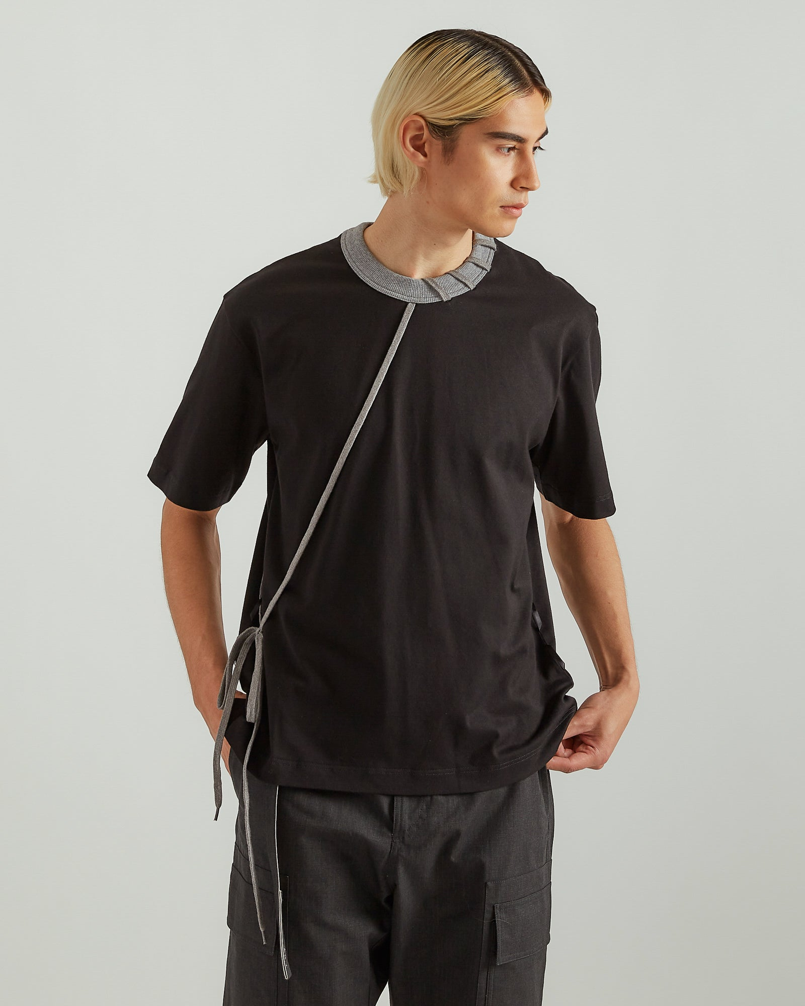 Laced T-Shirt in Black/Gray