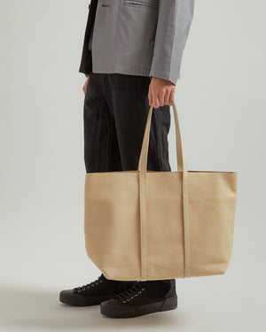 Leather 6P Tote Bag in Natural (M)