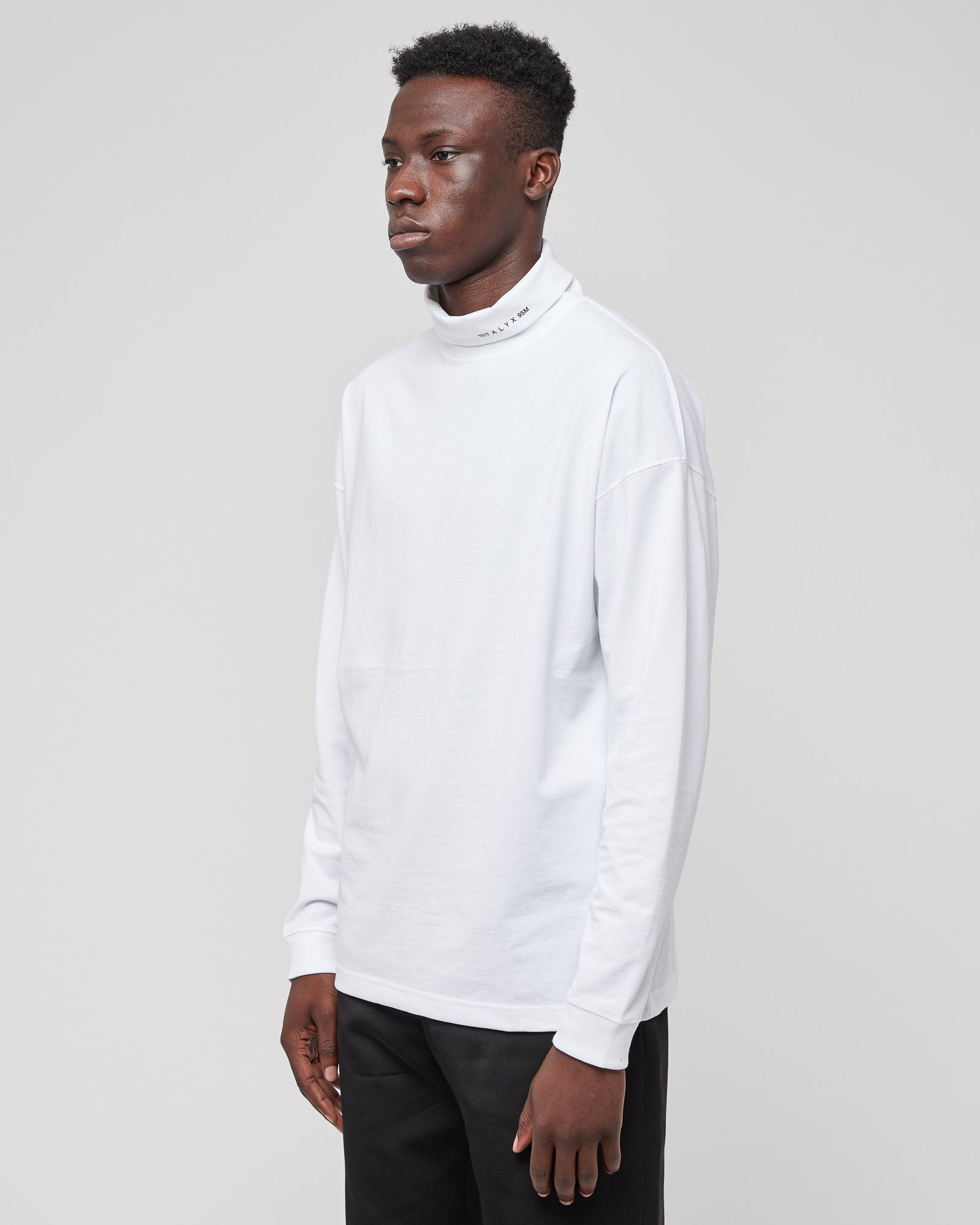 L/S Roll Neck T-Shirt in White