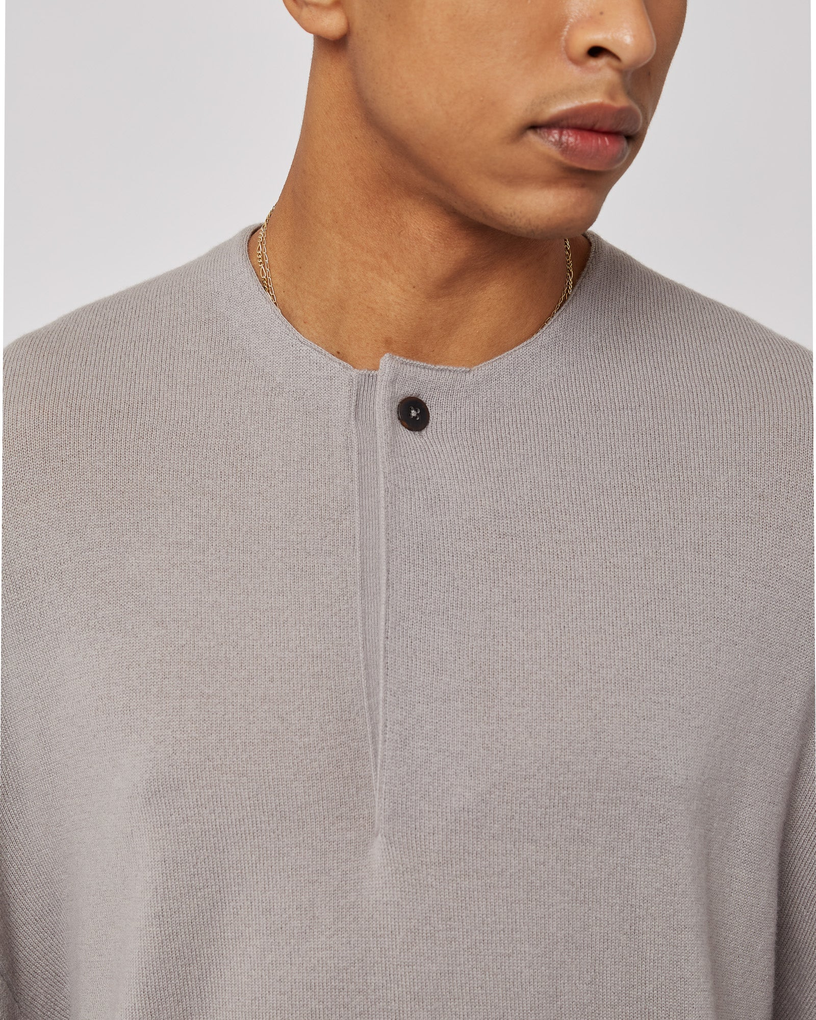 Wool Henley in Satellite Gray