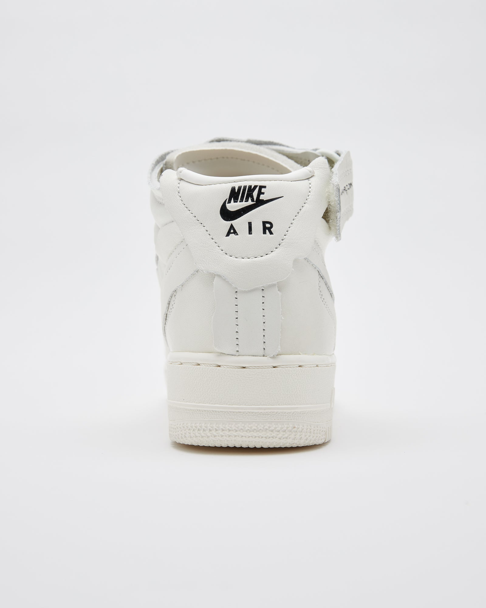 Nike Air Force 1 Mid in Sail