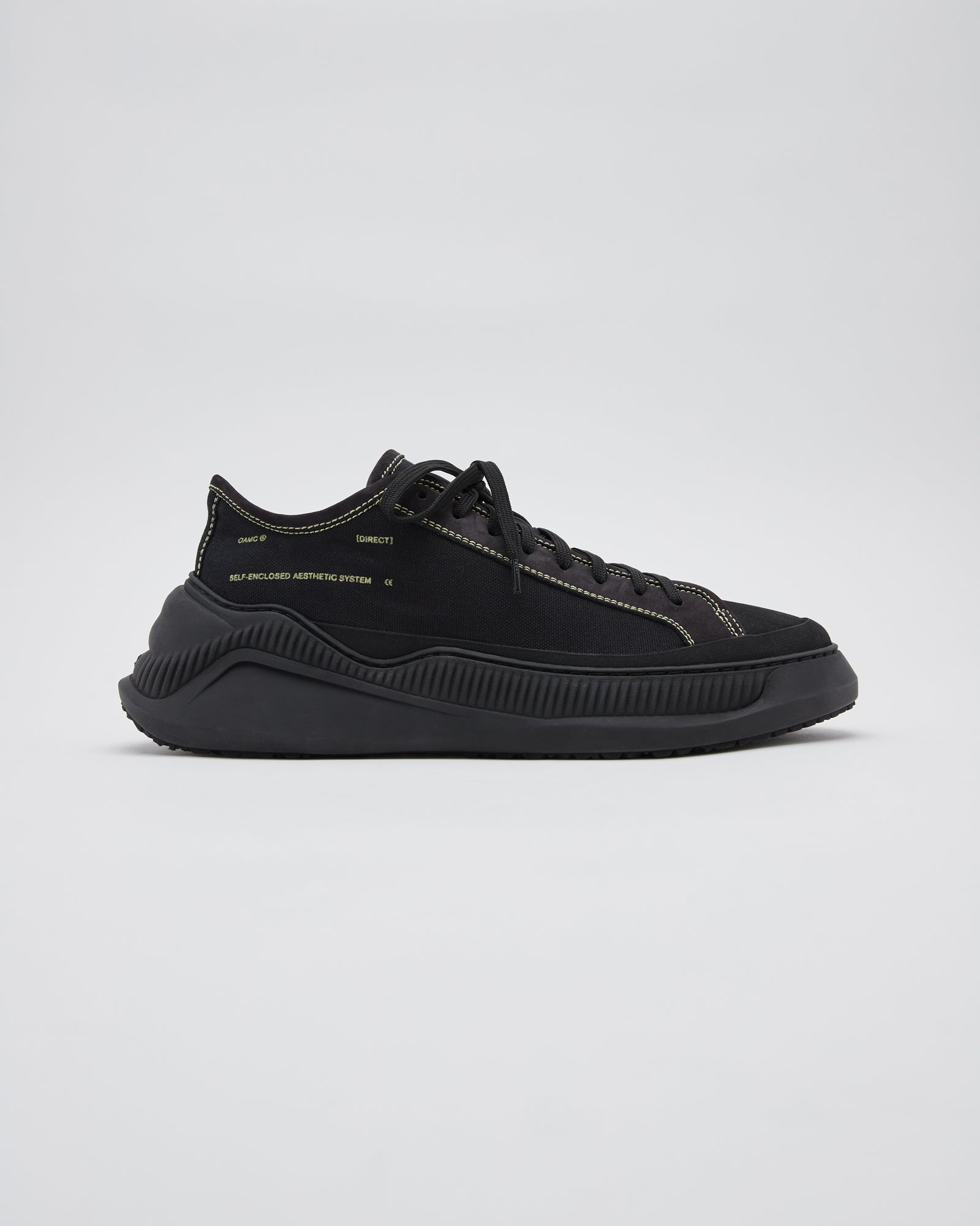 Free Solo Low Sneaker in Black