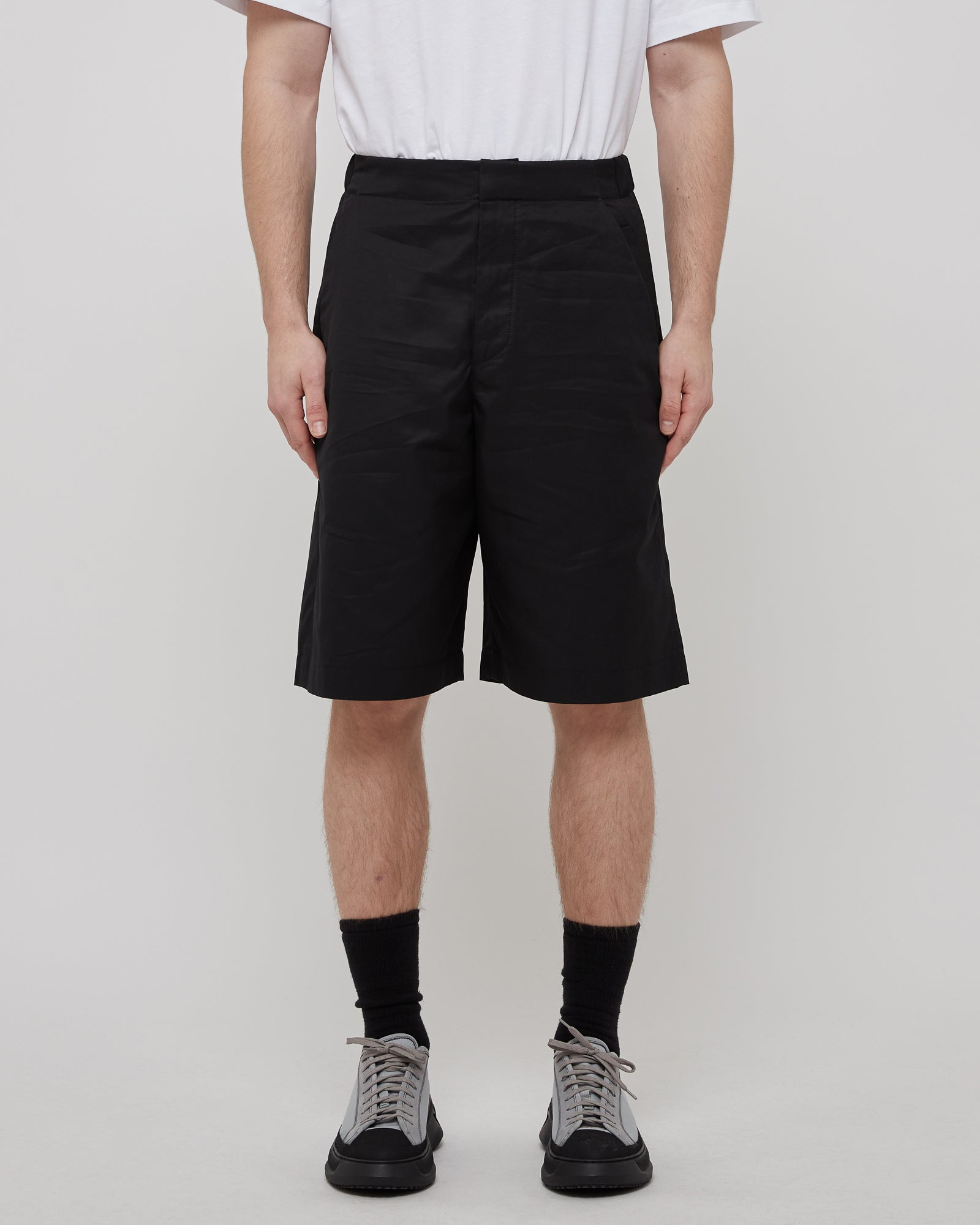 Vapor Short in Black