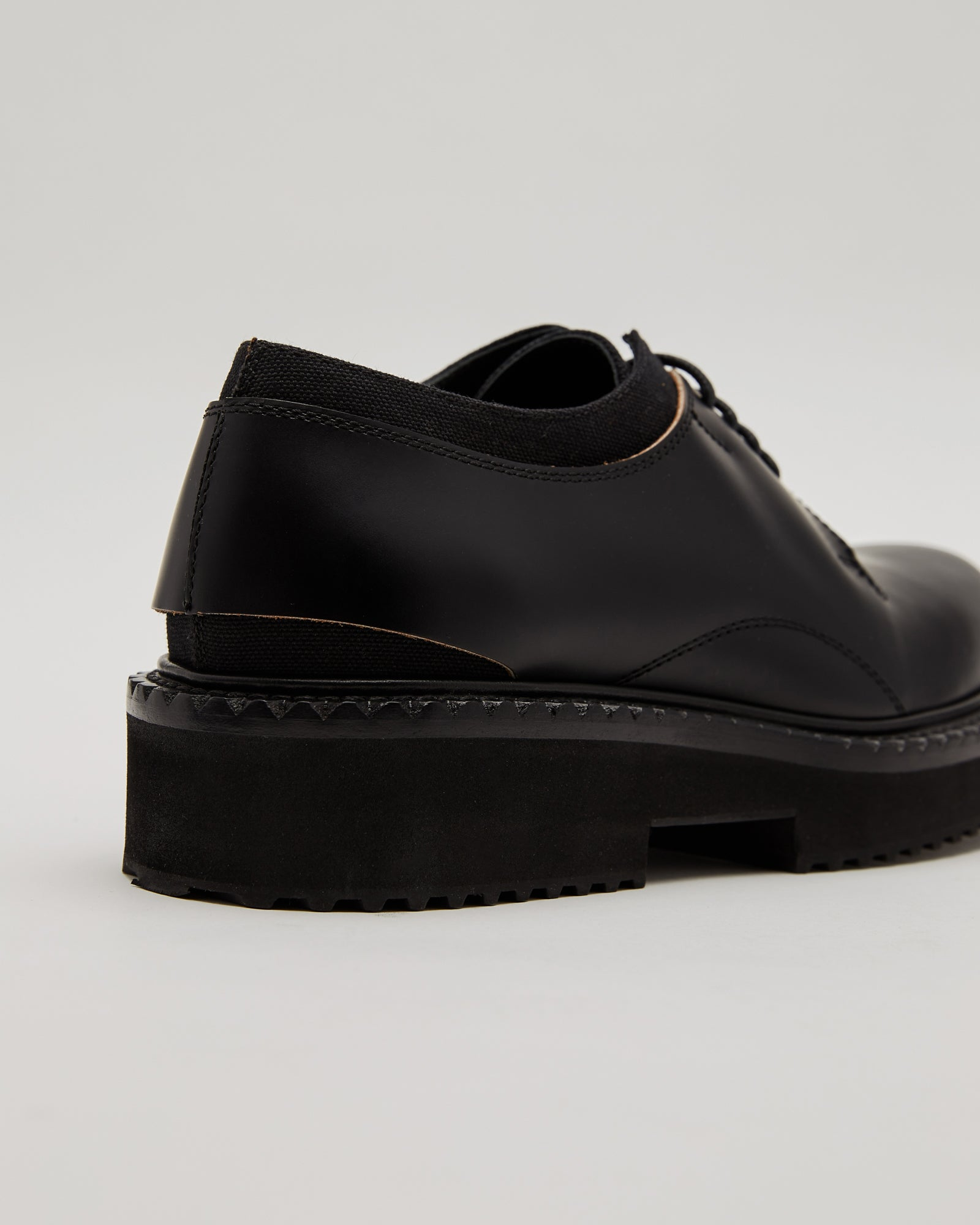 Cut Away Derby Shoes in Black