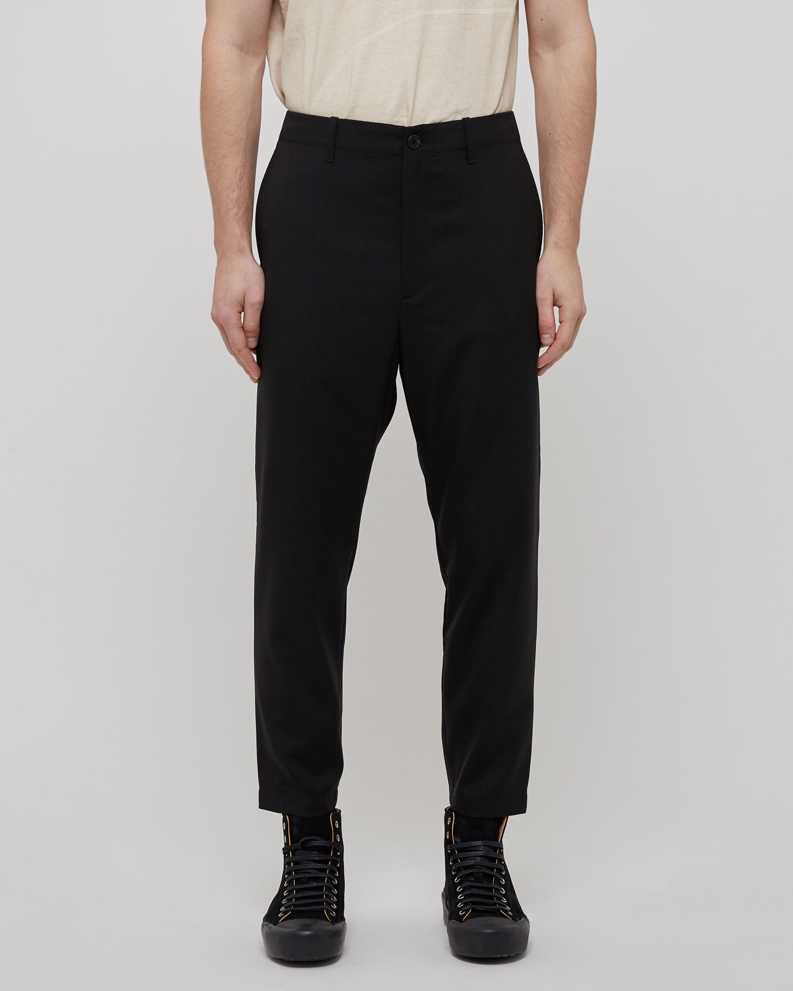 Cropped Wool Zip Pant in Black