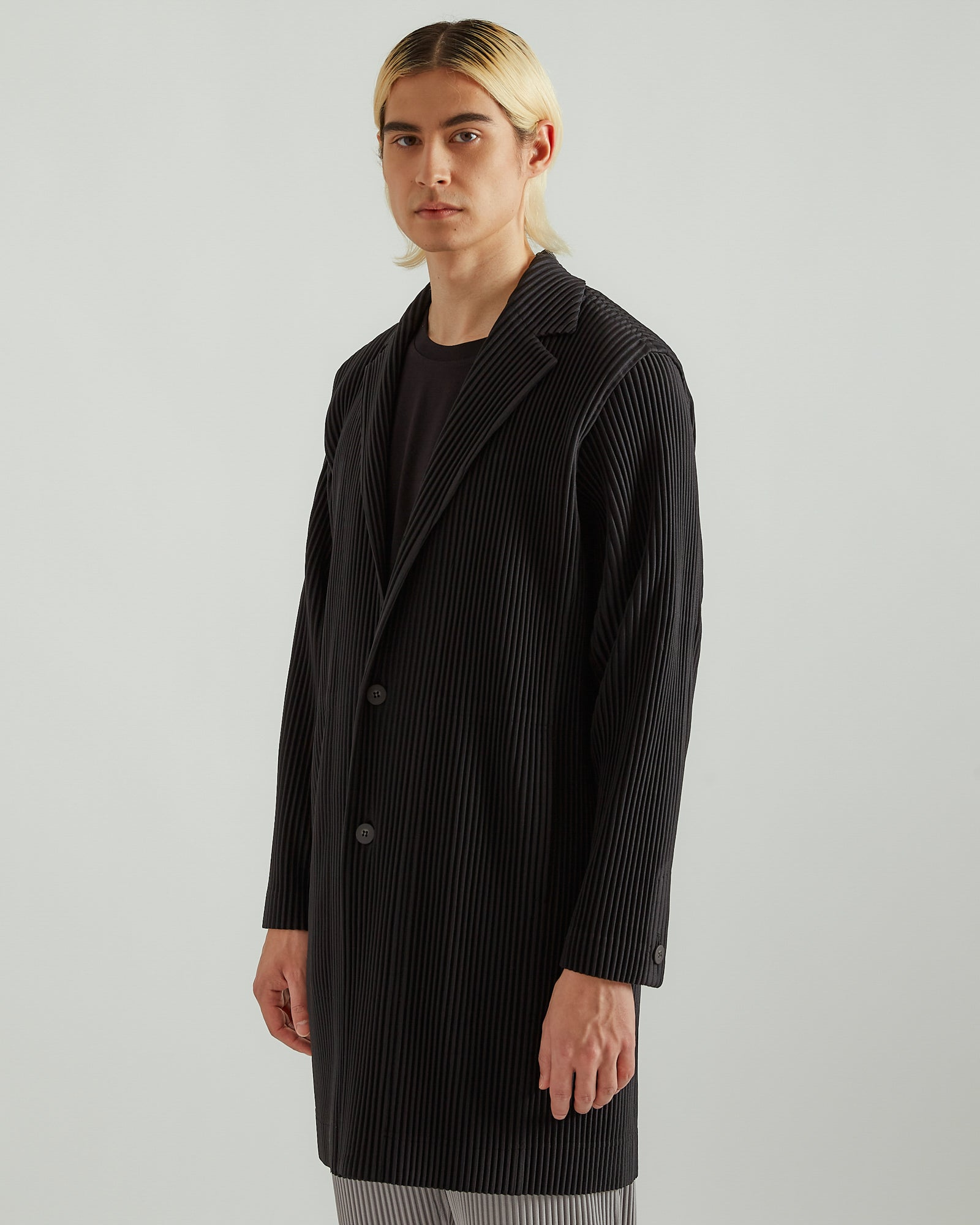 Pleated Long Blazer in Black