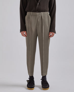 Pleated Straight-Leg Trousers in Green