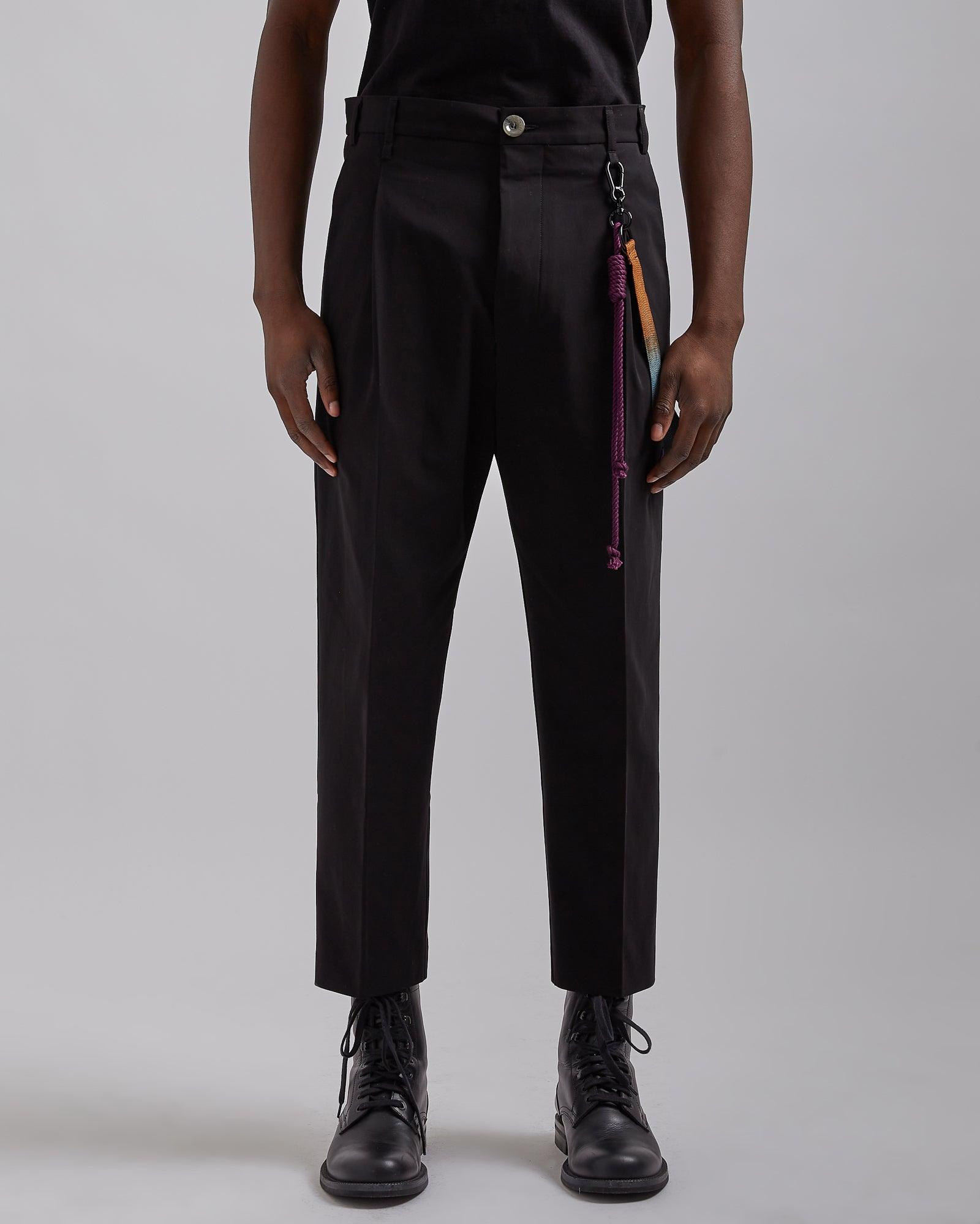 Pleated Tapered Pant in Black
