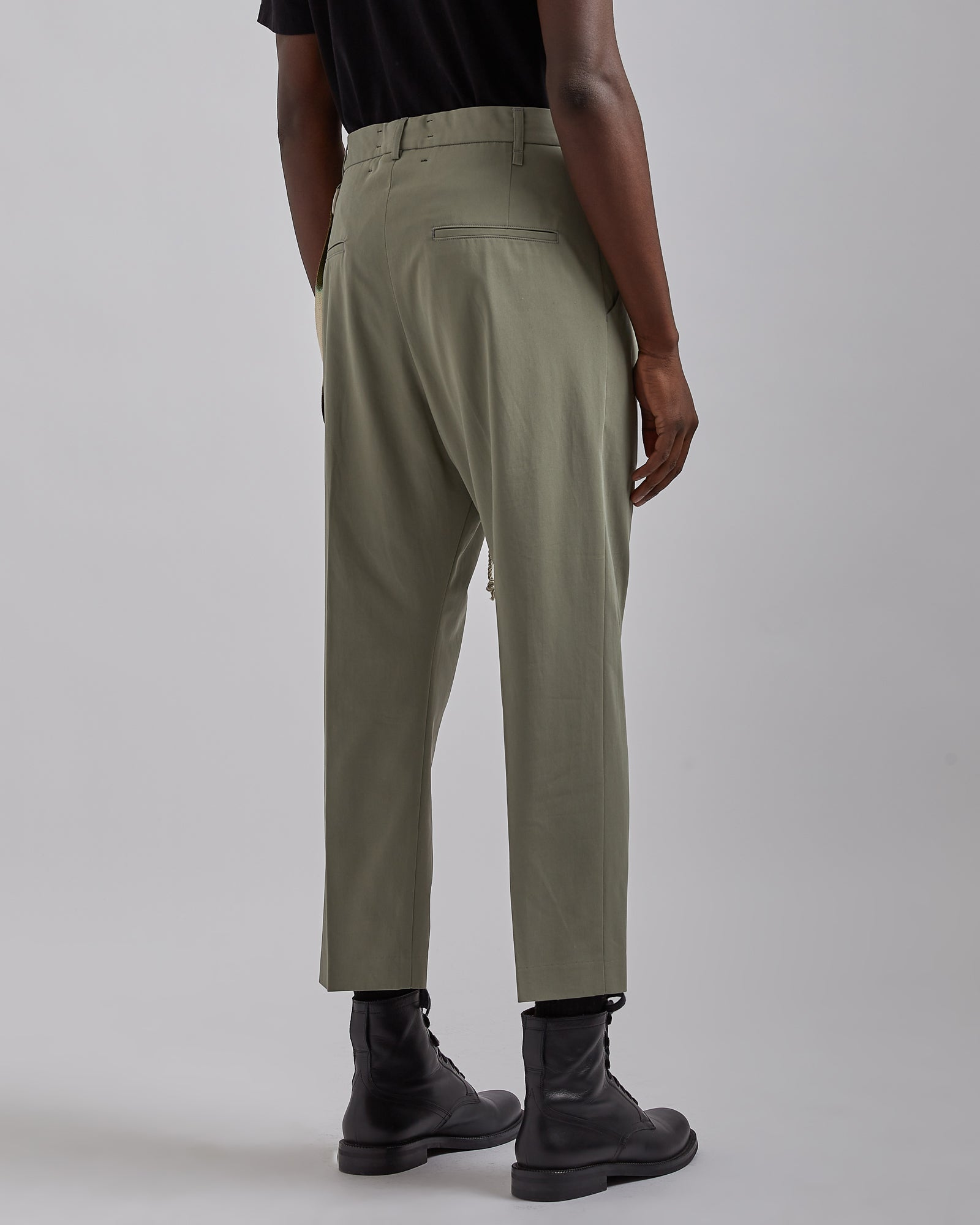 Pleated Tapered Pant in Olive