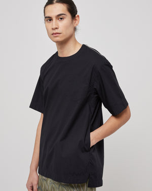 Pullover Shirt With Zipper in Black