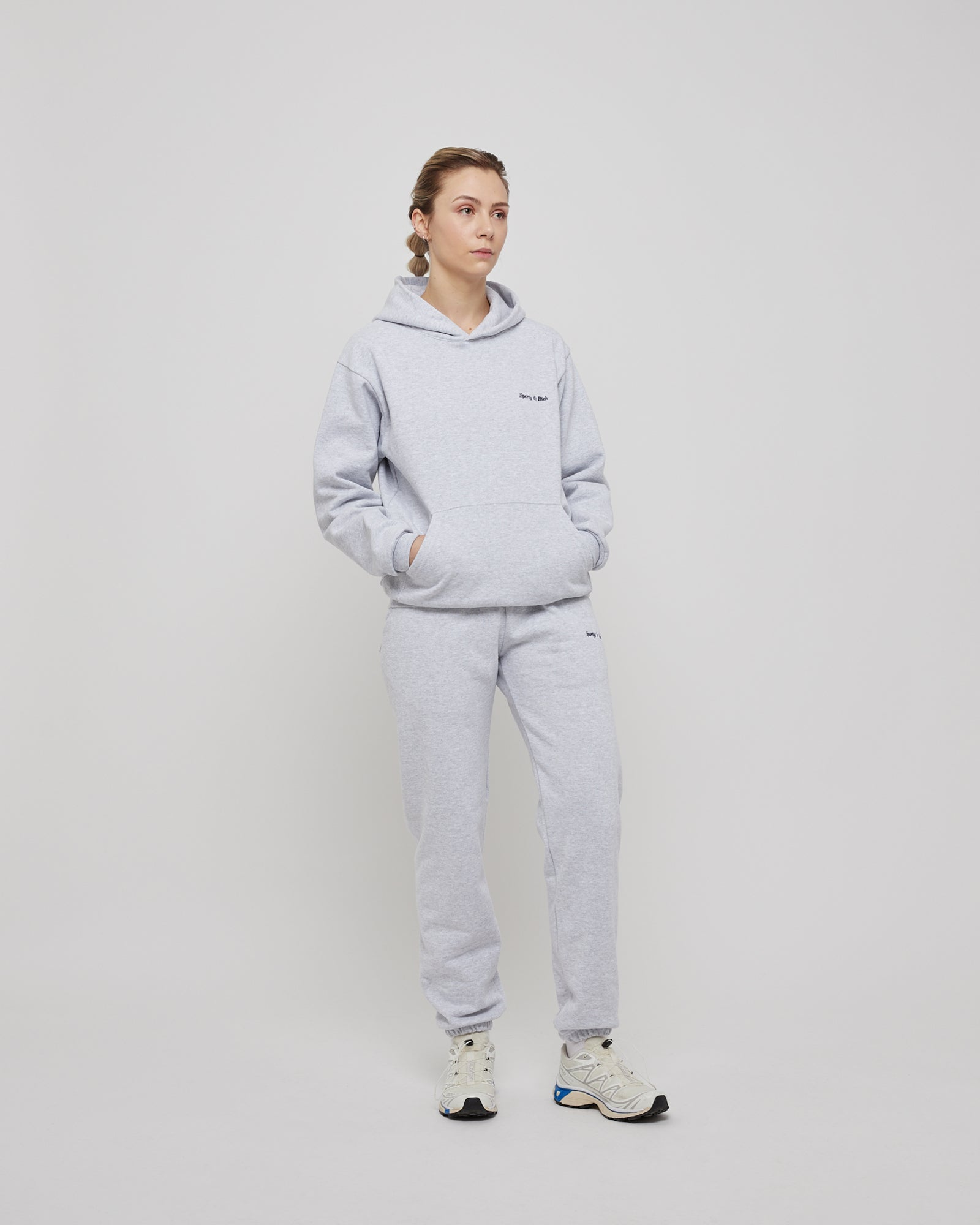 Classic Logo Sweatpant in Heather Gray