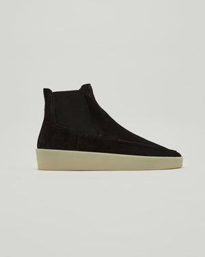 Suede Chelsea Boots in Black