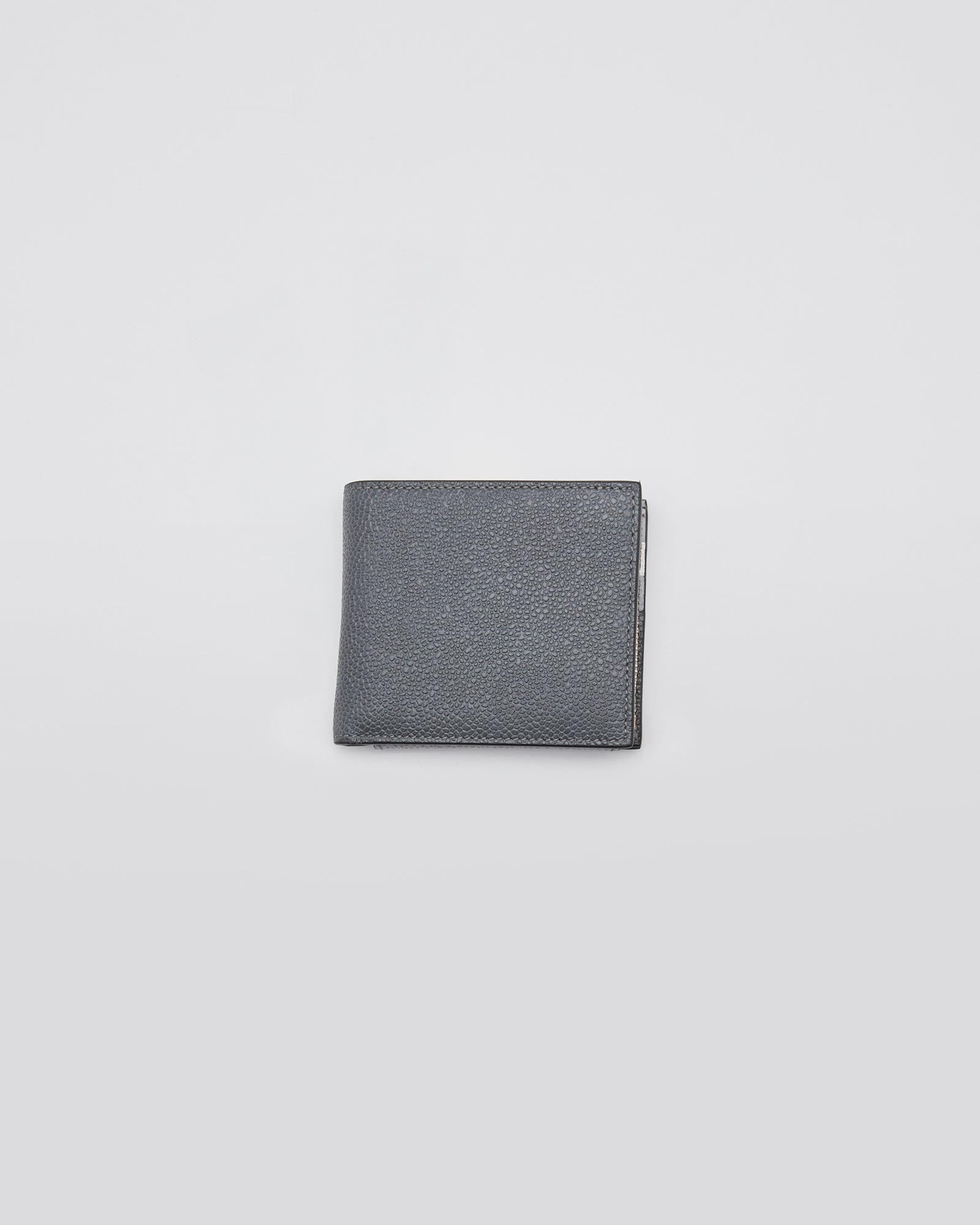 Billfold Half Zip in Pebble Grain Dark Gray