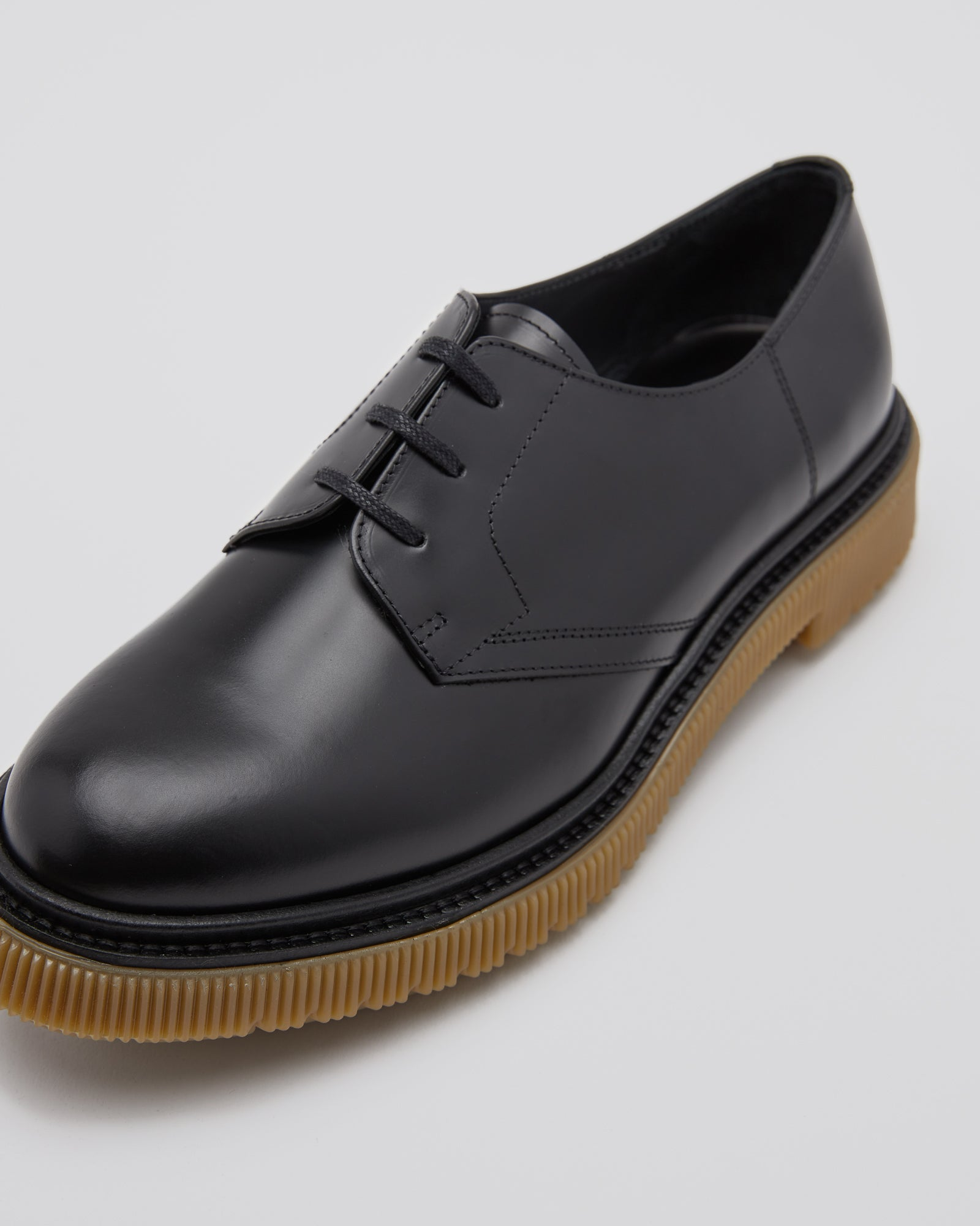 Type 132 Derby Shoes in Black