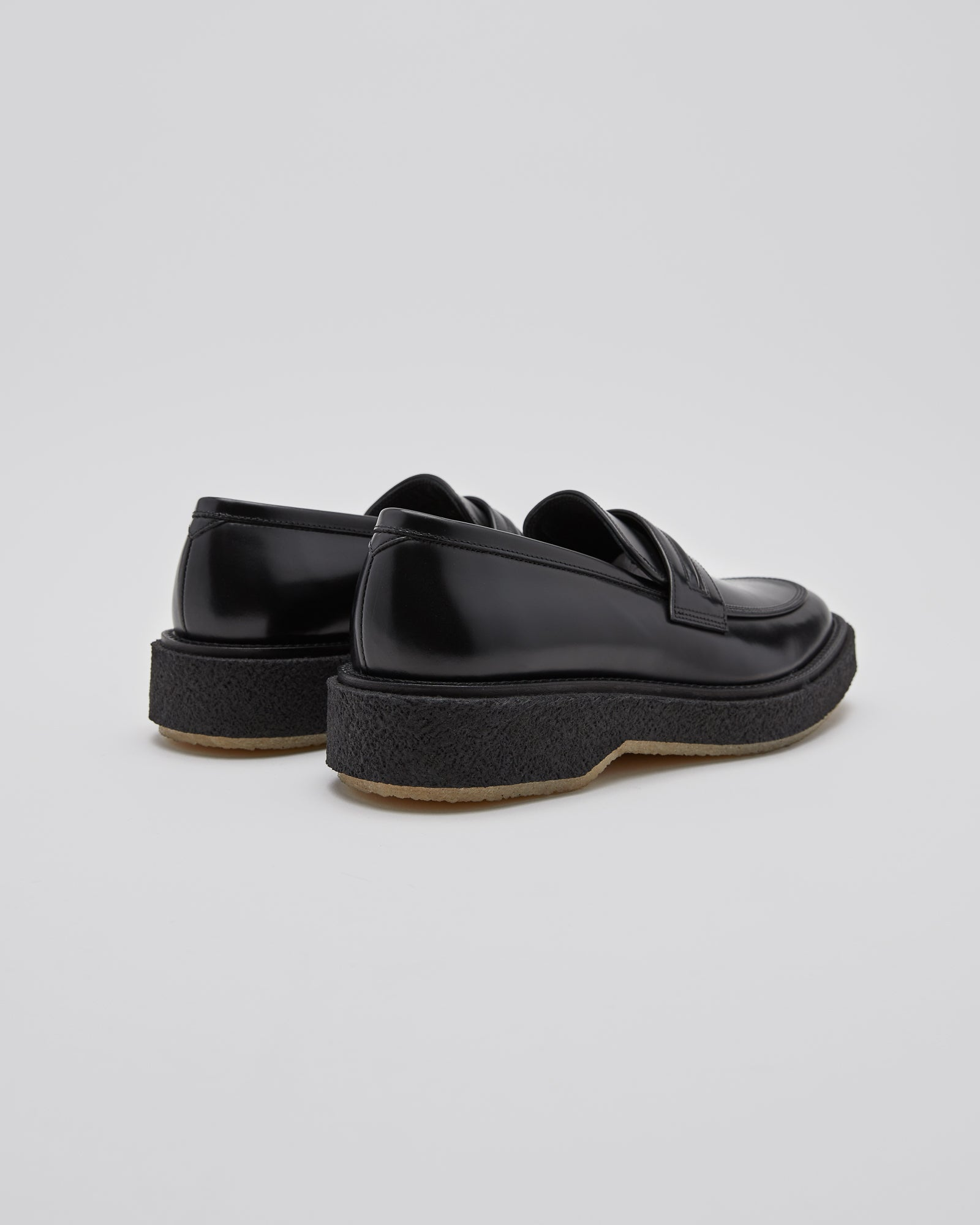 Type 147 Loafer in Black/Crepe