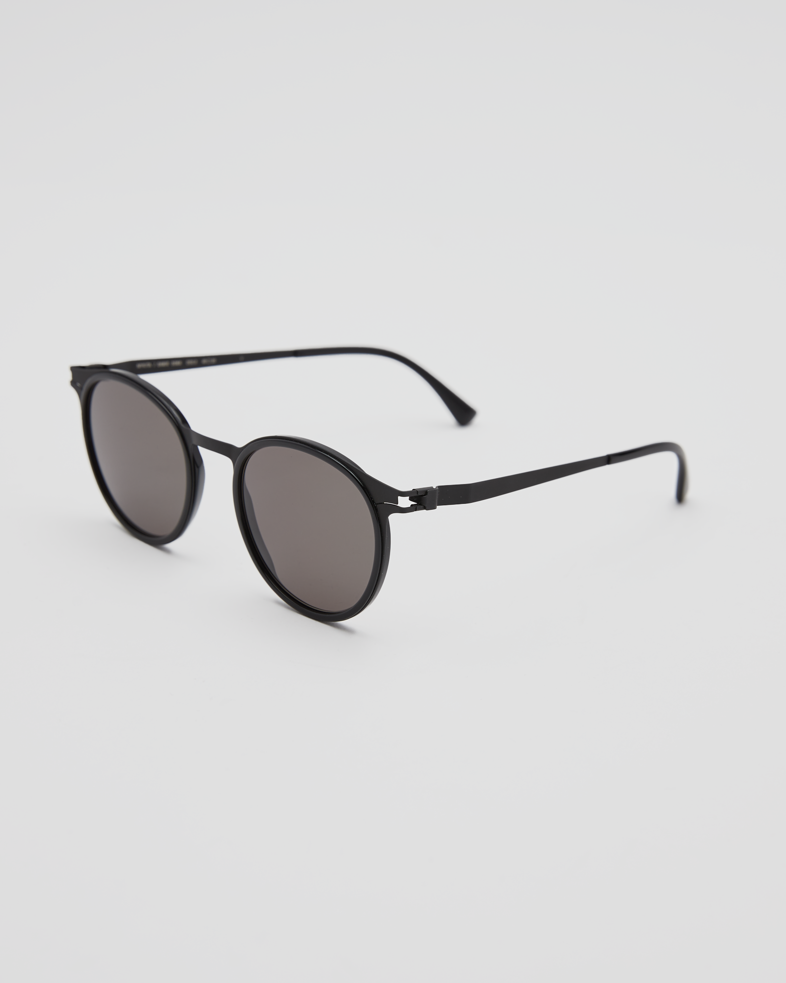 DD2.3 A-6 Sunglasses In Black / Gray Solid