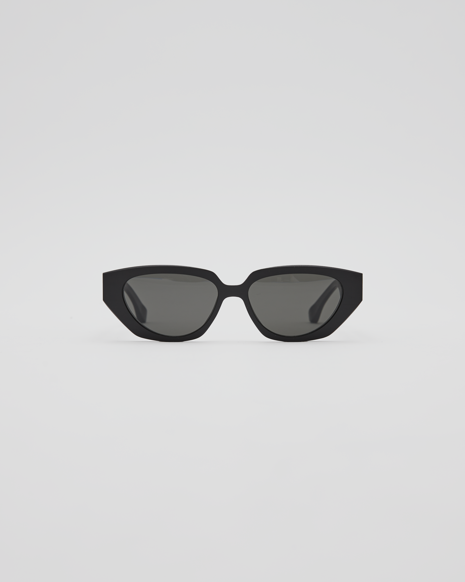 MMRAW015 Sunglasses in Raw Black / Dark Gray Solid