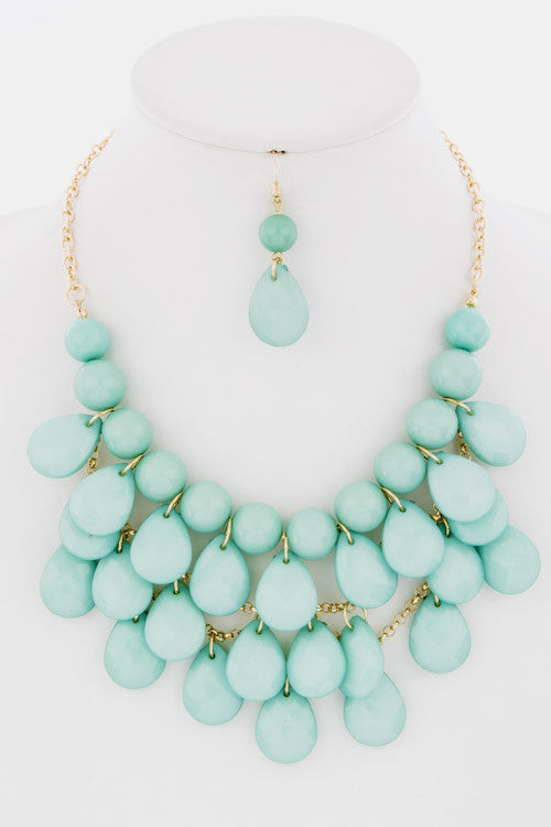Big Bold Statement Necklace -- Mint -- Sassy Deal