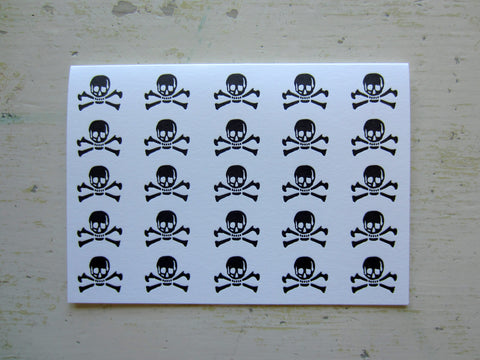 skull & crossbones black folded notes