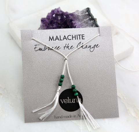 Illuminated Malachite Thread Lariat Necklace