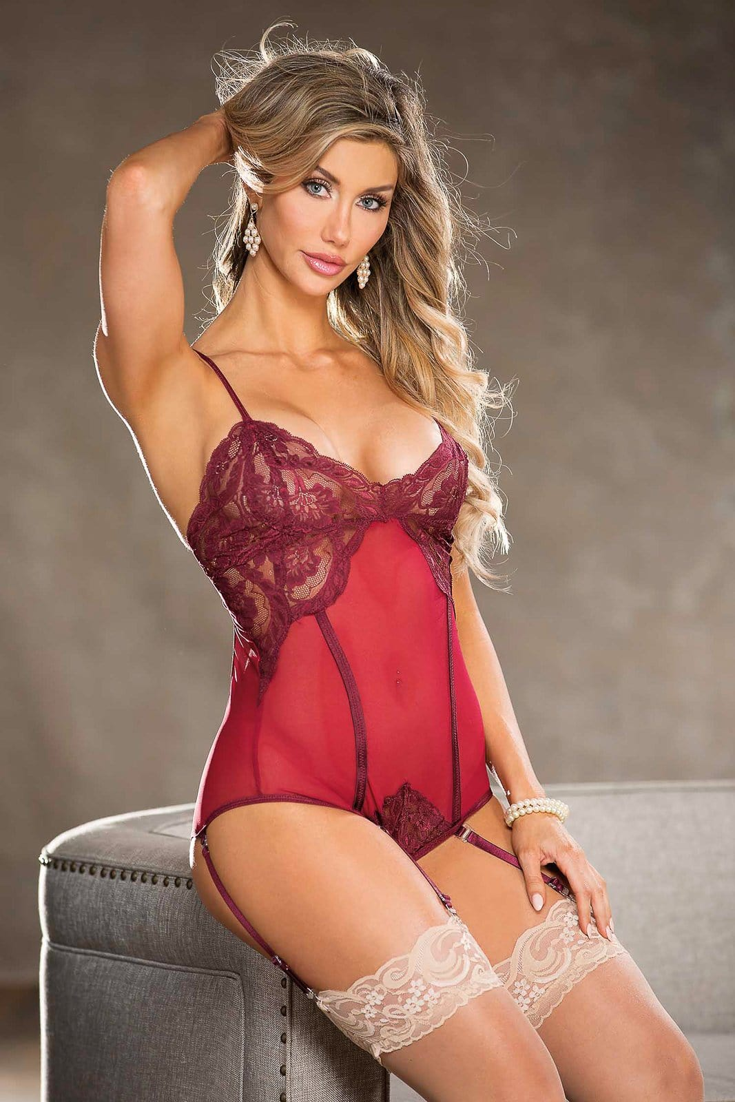 teddy w garters burgandy medium
