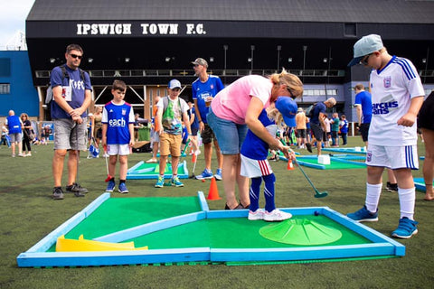 Mini golf hire for events UK