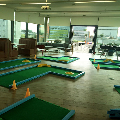 Portable crazy golf minigolf hire