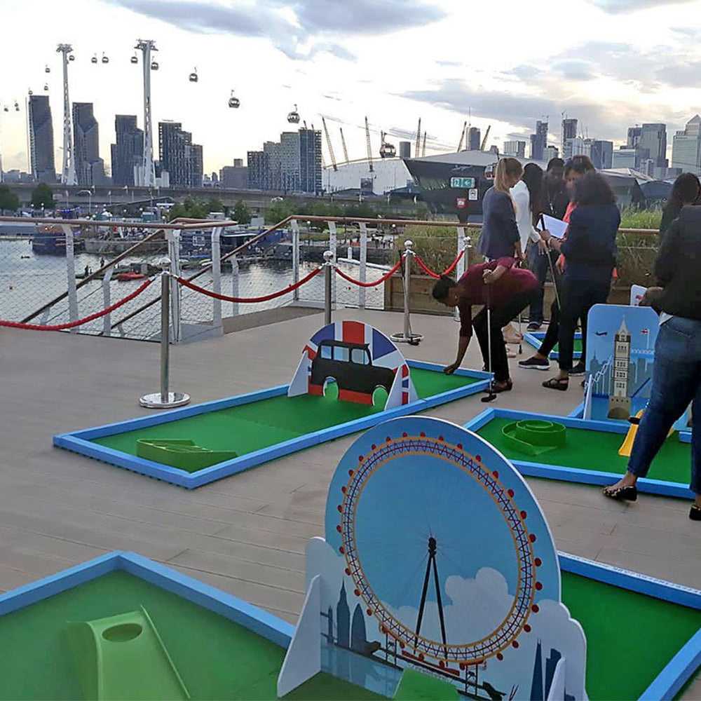 Personalised Portable Minigolf Course - Event Stuff Ltd Owns Putterfingers.com!
