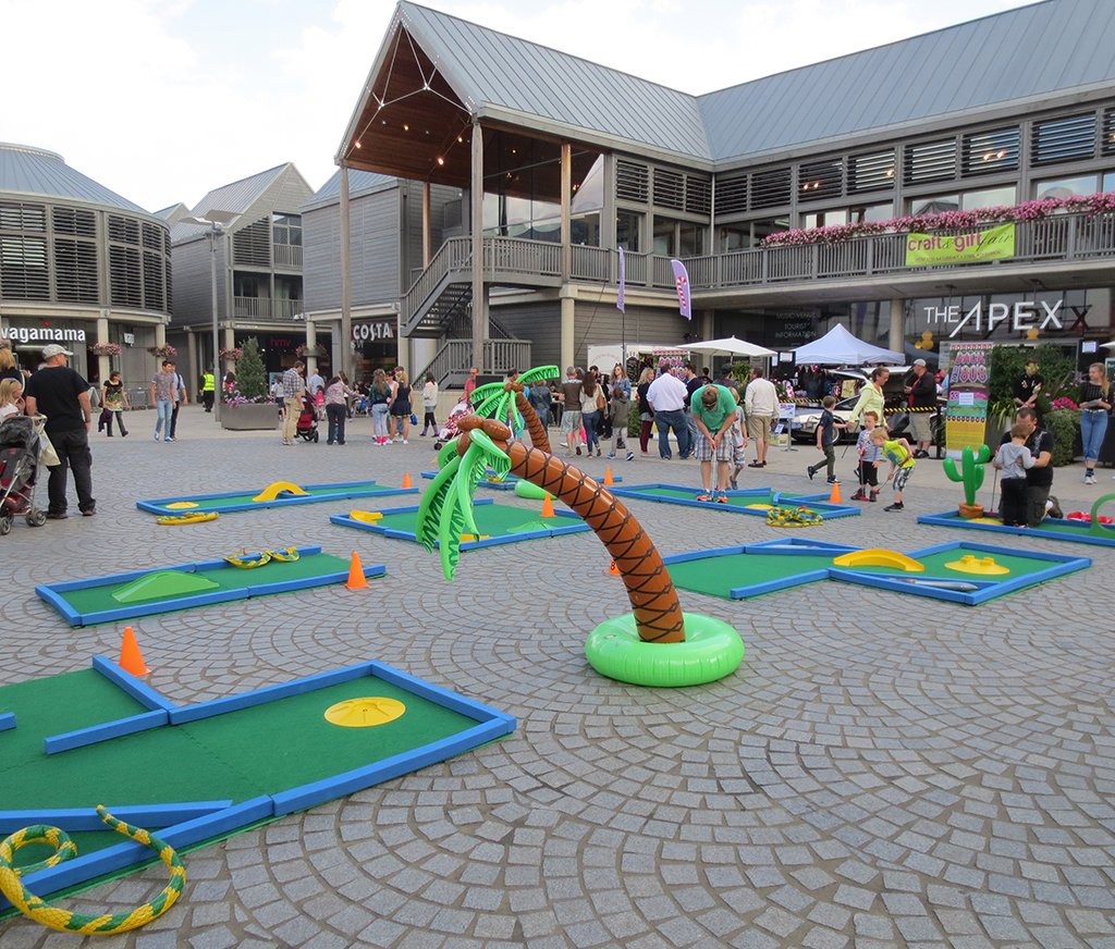 Supersize Minigolf: Pro Golf Course