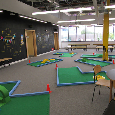 Supersize mini golf course UK