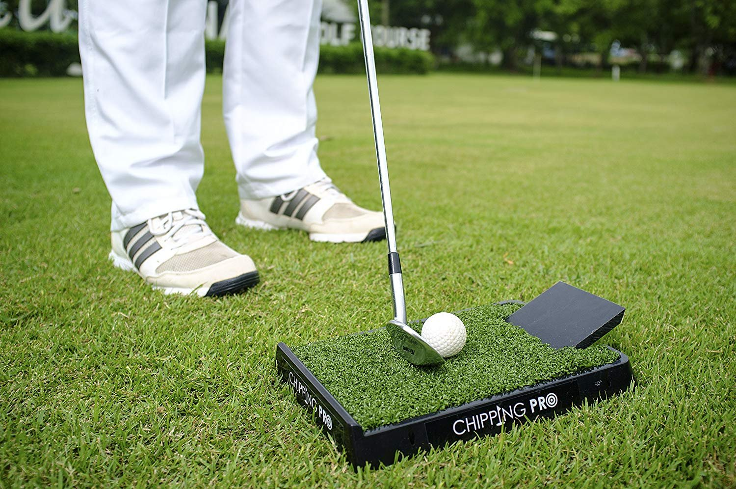 Chipping pro mat training aid golf