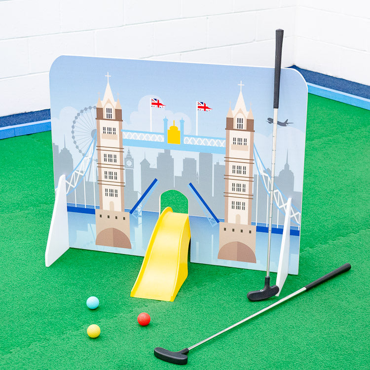 London landmarks minigolf obstacle Tower Bridge