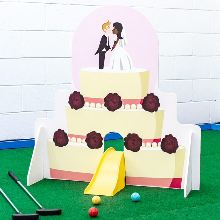 Wedding themed minigolf obstacles cake
