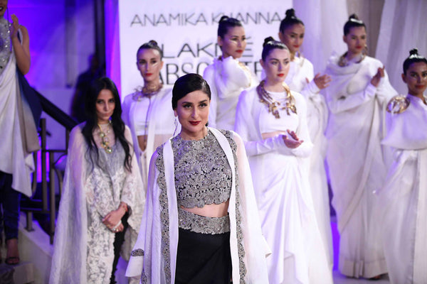 Kareena Kapoor walks the ramp for Anamika Khanna at LFW