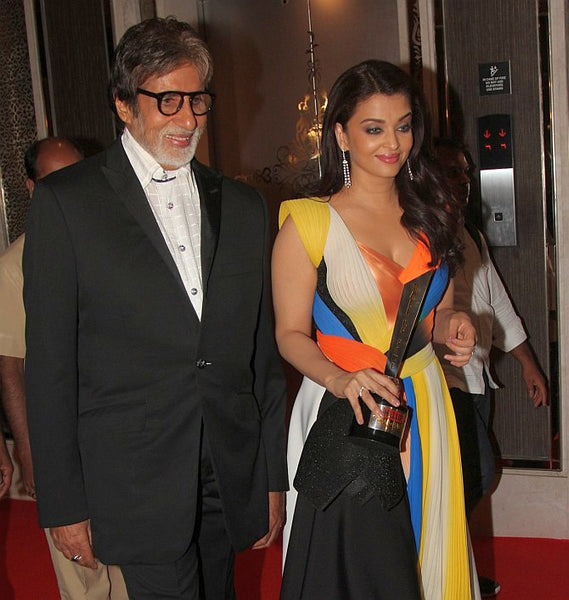 Aishwarya and Amitabh at HELLO! Hall of Fame awards
