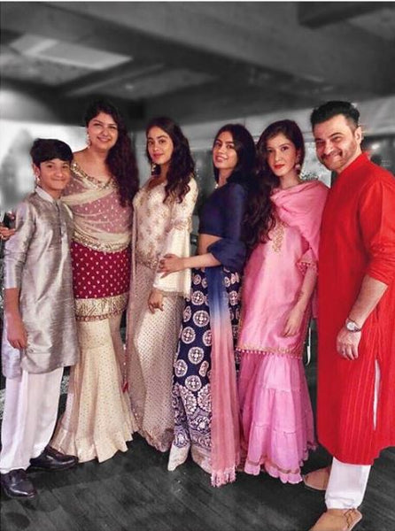 Rhea Kapoor and cousin Anshula Kapoor, Jahnvi and Khushi Kapoor