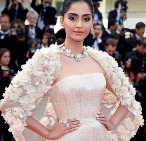 Sonam Kapoor in Ralph and Russo Cannes 2016