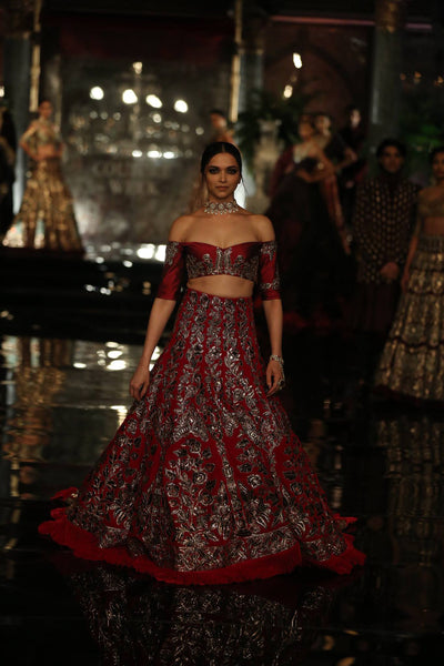 Deepika-Padukone for Manish-Malhotra at India Couture Week 2016