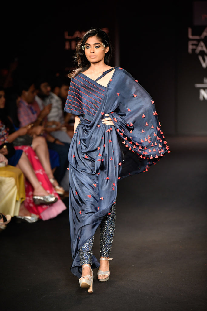 Ruceru-Saree-VOGUE.in
