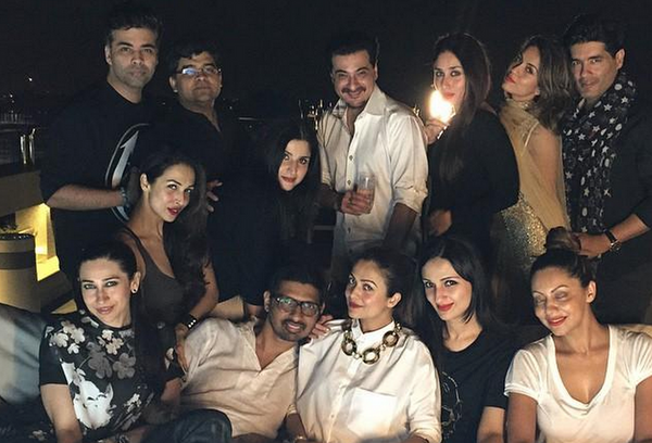 Karan Johar, Karishma Kapoor, Malaika Arora Khan, Kareena Kapoor, Amrita Arora, Manish Malhotra, Maheep Kapoor, Sanjay Kapoor and Gauri Khan all hang out