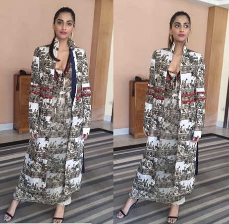 Sonam Kapoor in Anamika Khanna at Cannes 2016