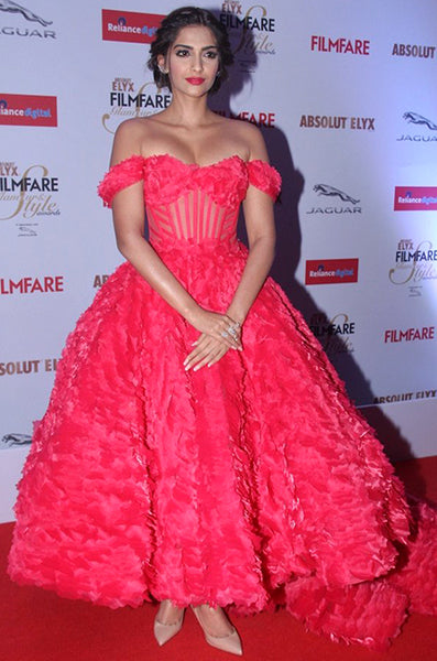 Sonam Kapoor Filmfare Glamour and Style Awards 2015