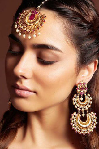 Chanda Gold Chaandbali Earrings