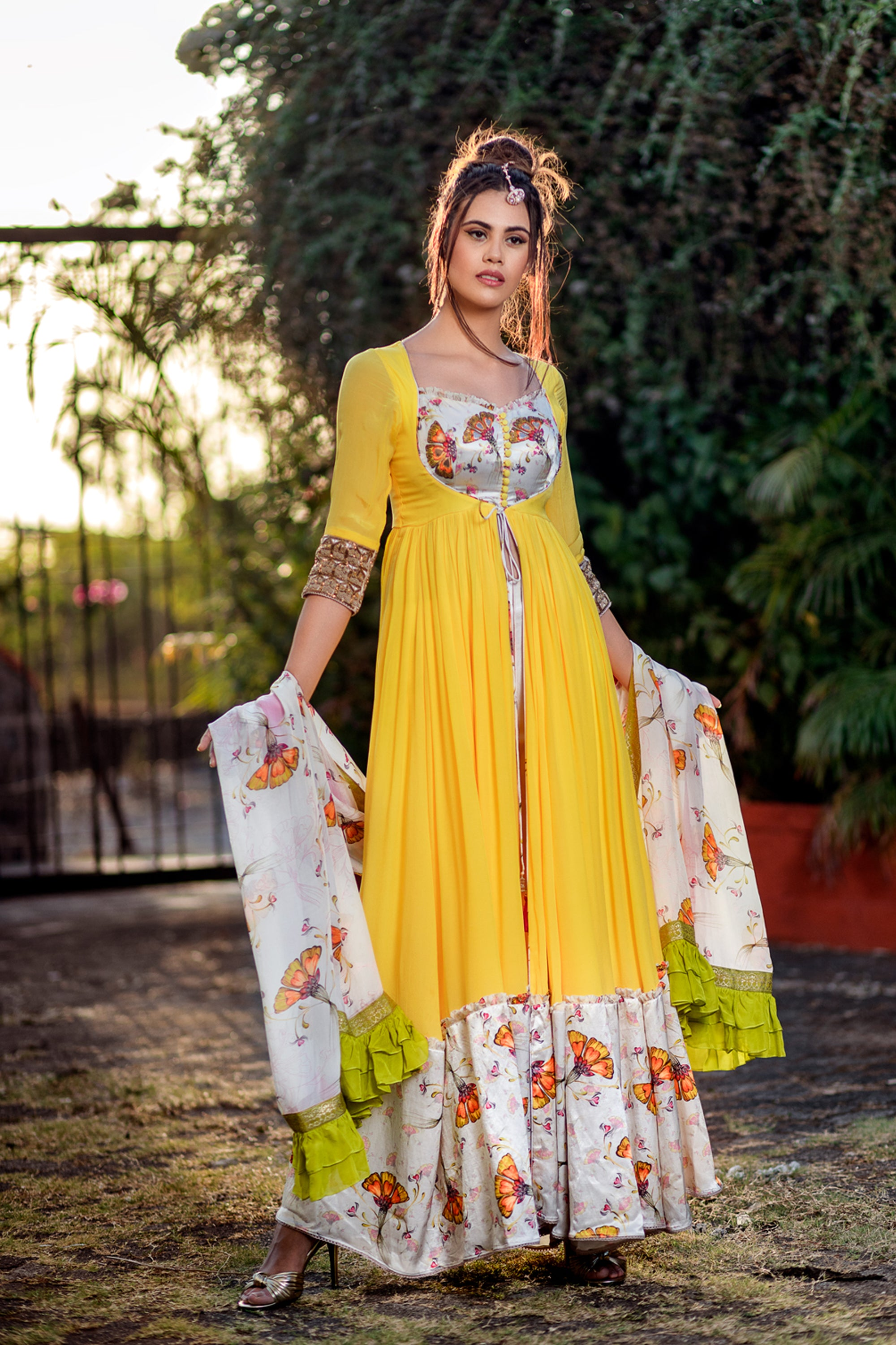 Yellow & Off White Print Arankali Set FRONT